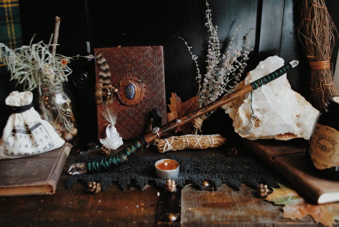 Ритуал остуды проводят и с помощью рун